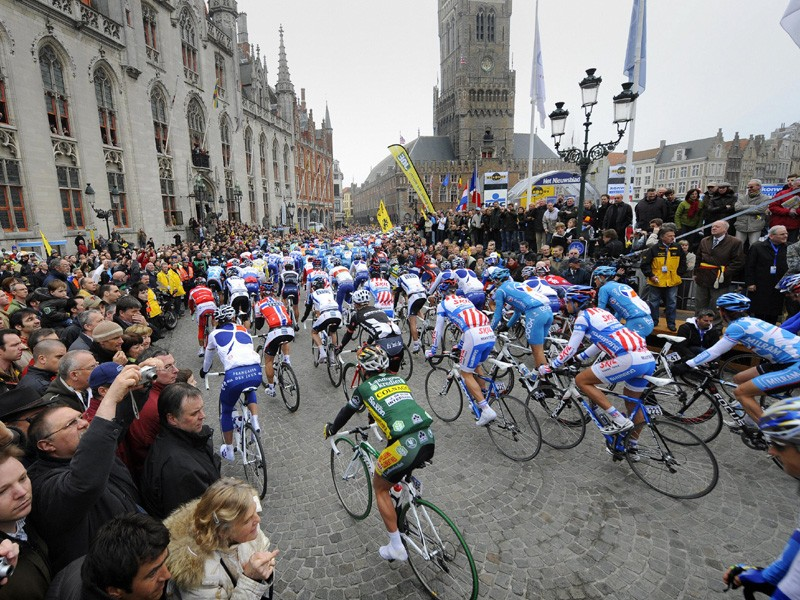 The start of the 2009 Tour of Flanders