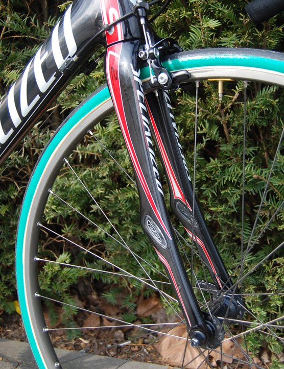 The Roubaix SL2 fork includes Zertz dampers of its own plus a tapered steerer tube.