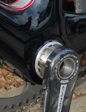 Team bikes are fitted with threaded bottom bracket sleeves instead of the stock bike's integrated setup in order to accept the team-issued Campagnolo cranks.