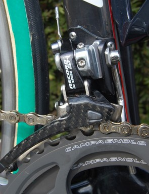 The 10-speed crankset is matched to a 10-speed front derailleur.