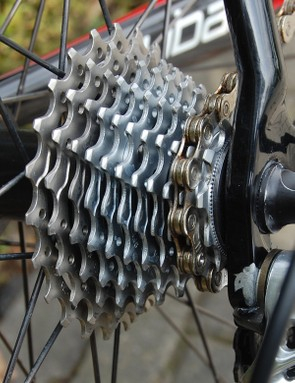 Boonen does use an 11-speed rear derailleur and cassette though.