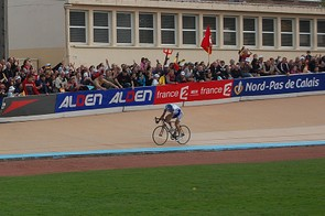 Boonen looks back but lone chaser Filippo Pozzato is over twenty seconds behind.