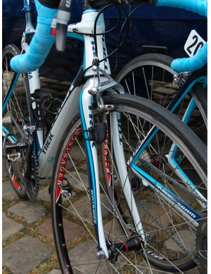 The matching paint job helps but there's still no mistaking the transition between the fork and head tube here