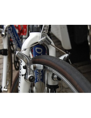 There are no cantilever brakes in Campagnolo's catalogue so the team make do with Shimano stoppers