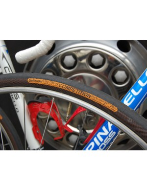 Caisse d'Epargne riders set off on 25mm-wide Continental tubulars with extra sidewall protection