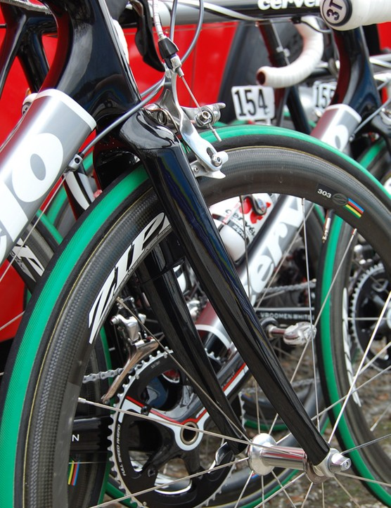 TestTeam bikes were fitted with unmarked forks that had longer blades and more clearance around the tyre than usual