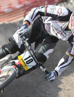 Santa Cruz Syndicate's Greg Minnaar racing at Sea Otter in 2008.