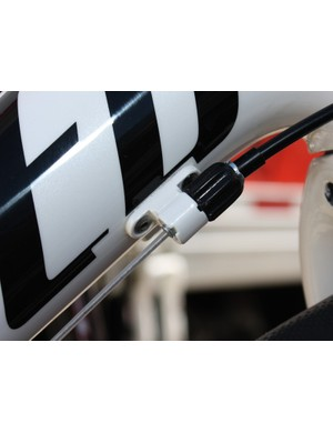 The new 'SRAM Professional System by Gore' cables are sealed and specially coated for low-friction performance.