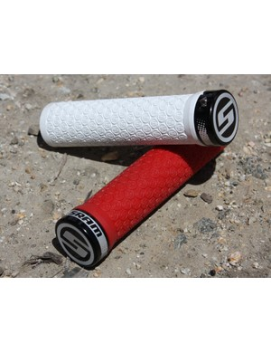 Yes, SRAM now do locking grips, too.