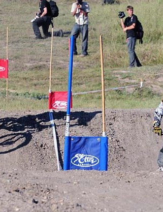 Jill Kintner leads Melissa Buhl at the bottom of the dual slalom course