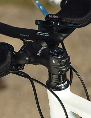 Short stem and short reach Tri-bars help create a well proprortioned riding position