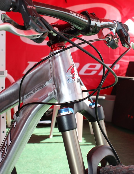The tapered head tube should make for an amply stiff front end to help counteract the 29in fork's longer lever arm