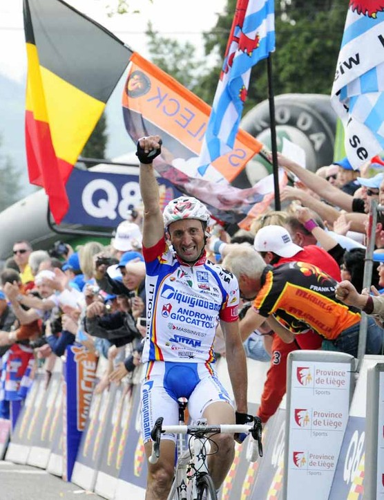 Davide Rebellin wins Fleche Wallonne for the third time