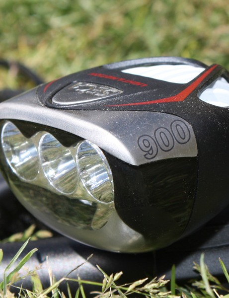 Upgraded emitters crank out 900 total lumens as compared to the Seca 700's still-bright 700.