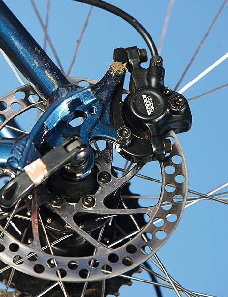Decent hydraulic disc brakes are a bonus on a  bike at this price