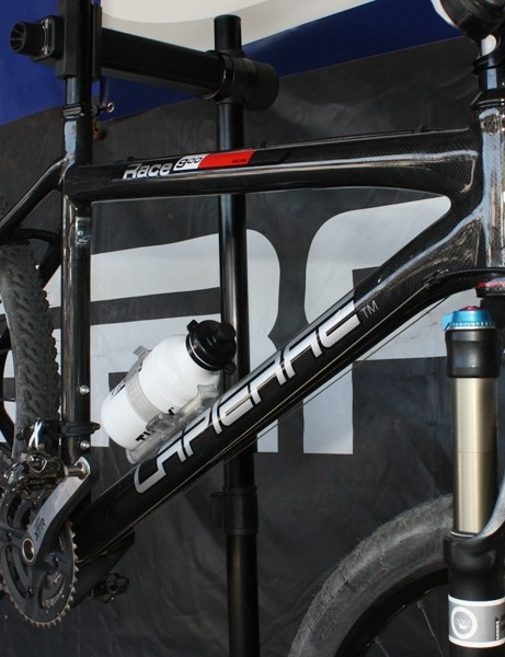 Carbon hardtails have enjoyed a bit of a resurgence as of late and Lapierre's Race 900 looks to be another good option