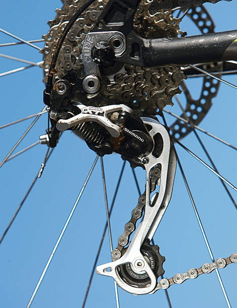 The XT gear and 27-speed drivetrain are a surprise on a £500 bike