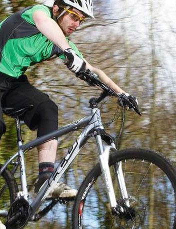 The Felt copes well with climbs, descents and wiggly singletrack