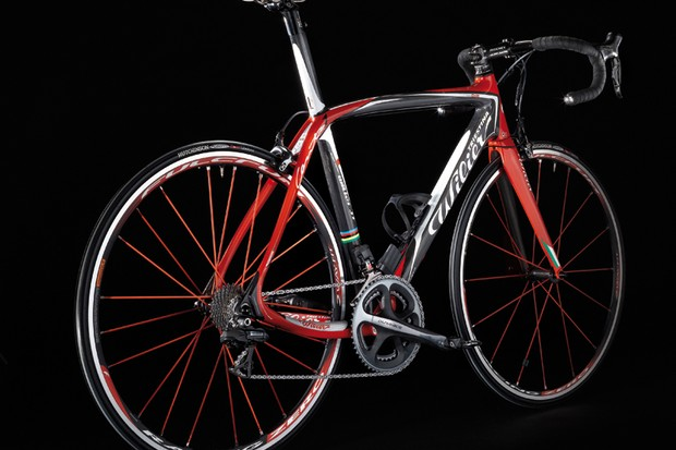 The Wilier Triestina Cento1 is now available in a version modified for use with Shimano's Dura-Ace Di2 electronic gears
