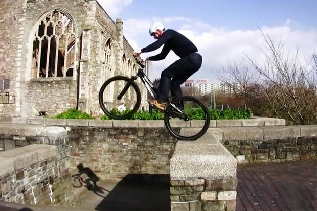 Brakeless street trials riding