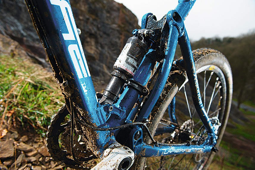 Lapierre's own-brand air shock is fi ne on the smoother stuff
