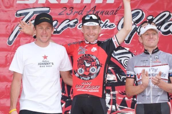 Men's overall podium (L-R): Lance Armstrong (Mellow Johnny's), Levi Leipheimer (Mellow Johnny's) and Phil Zajicek (Fly V Australia).
