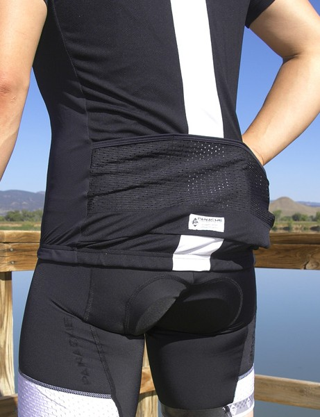 Three standard-sized rear pockets use mesh upper sections so as not to decrease overall jersey breathability