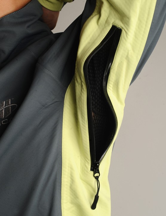 Mesh-backed pit zips provide extra ventilation when needed