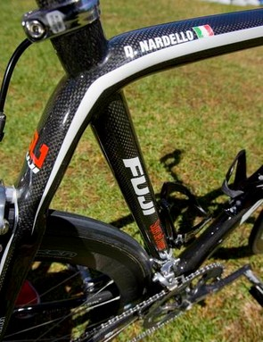 The seat tube almost appears to pierce through the top tube