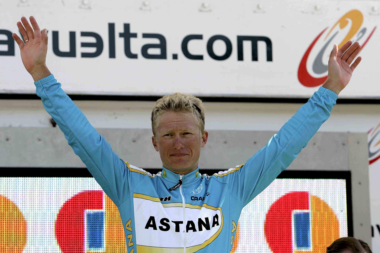 Alexander Vinokourov of Kazakhstan celebrates before receiving the overall winner's golden jersey after winning the Vuelta a Espana on September 17, 2006 in Madrid, Spain.
