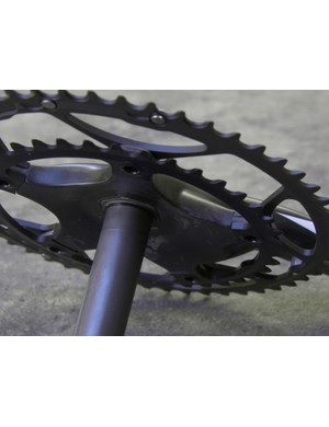 In addition to the hollow reinforced carbon arms, Easton provide the chainring spider with plenty of reinforcement
