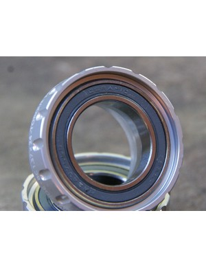 Standard or ceramic bearings are available and both skip the usual plastic sleeve in favour of a smoother-running dual-lip seal on the face of the cup