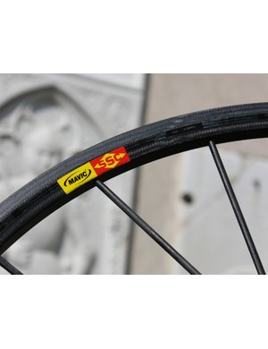 The new 22mm-deep carbon tubular rim is said to weigh just 230g