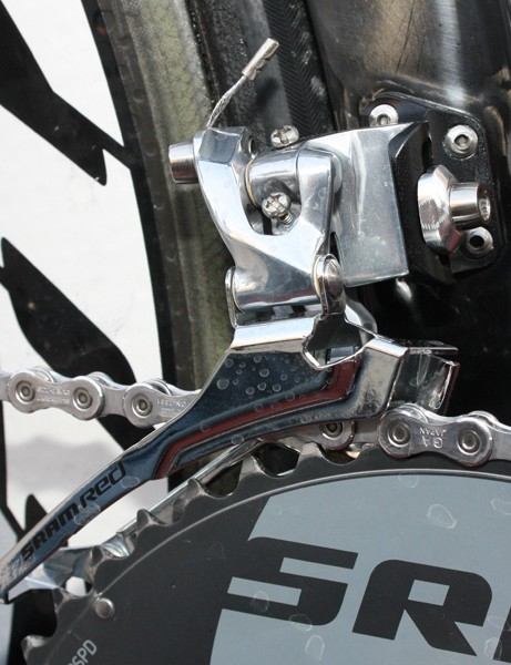 Cancellara continues to run a hybrid SRAM Red/Force front derailleur with a stiffer steel cage.
