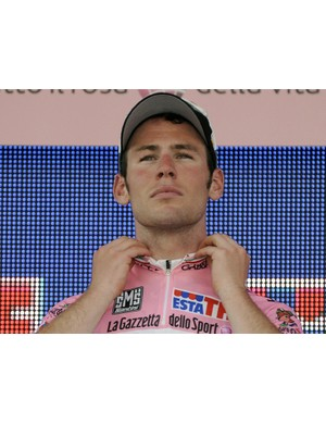 Mark Cavendish wasn't happy after finishing second in stage 2, despite pulling on the leader's jersey again