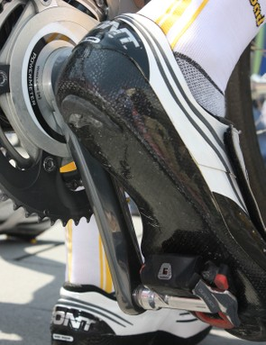 Rogers apparently prefers Shimano's fixed-position SPD-SL cleats.