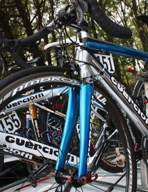 The carbon fork looks to include a tapered steerer tube for improved stiffness and steering precision.