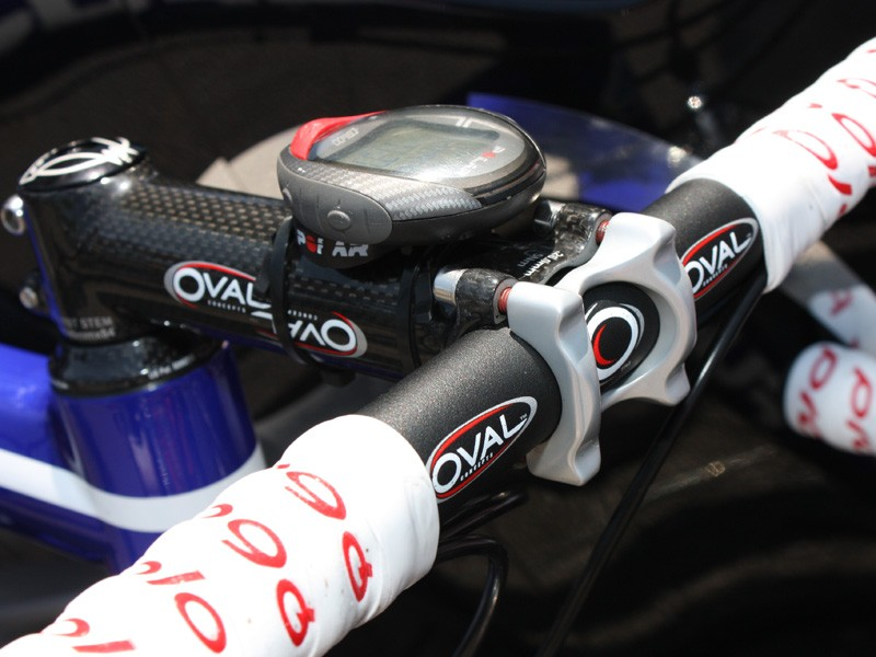 Fuji-Servetto have opted for the standard-diameter version of Oval Concepts' bars and stems