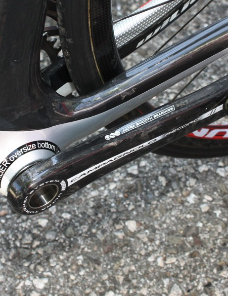 Cunego's Wilier Cento 1 integrates the Campagnolo Ultra-Torque bottom bracket bearings right into the shell