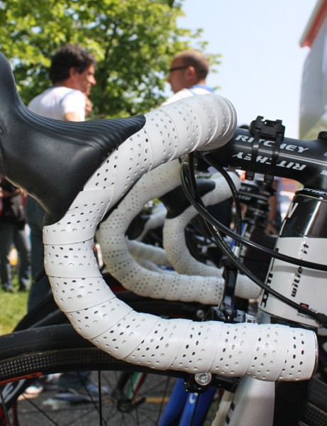 Cunego prefers a traditional handlebar bend