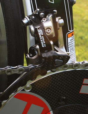 Vision by FSA chainrings are matched with a Campagnolo Record 10-speed front derailleur and a Shimano Dura-Ace chain.