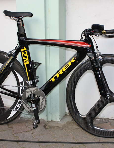 Lance Armstrong's (Astana) Trek Equinox TTX was painted by artist Kenny Scharf.