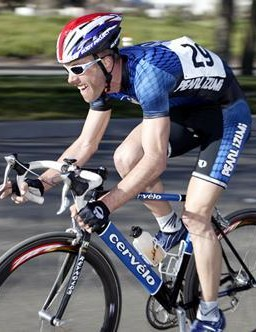 Steve Larsen racing the Cherry Pie Road Race in Napa, CA on February 9, 2003.