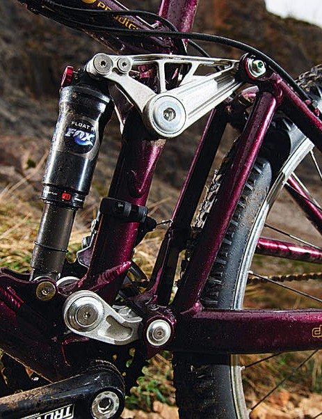 The DW Link rear is well balanced, but the fl exy chassis doesn't make the most of it