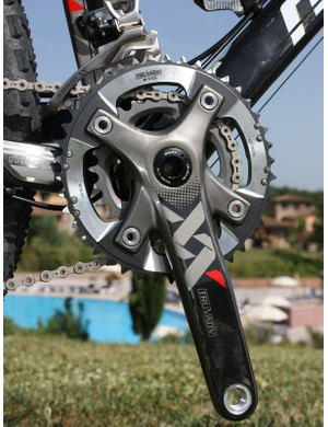The Truvativ XX crank shifts the chainline inboard for two-ring use so that all gear combinations are quiet and smooth
