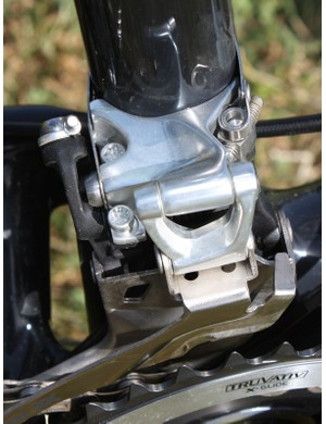 Widely set pivots and alloy and titanium hardware keep things stiff and light