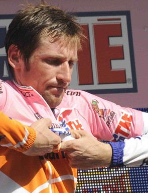 Russian Denis Menchov (Rabobank) leads the Giro heading into the final stages.