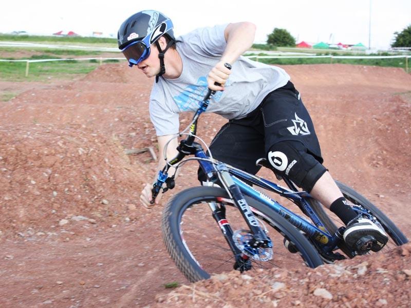 Matt Simmonds of Team ChainReactionCycles-Intense rails a berm on the MBUK Eliminator course