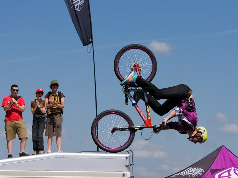 Sam Pilgrim performs as part of the Animal Relentless Bike Tour at BikeRadar Live