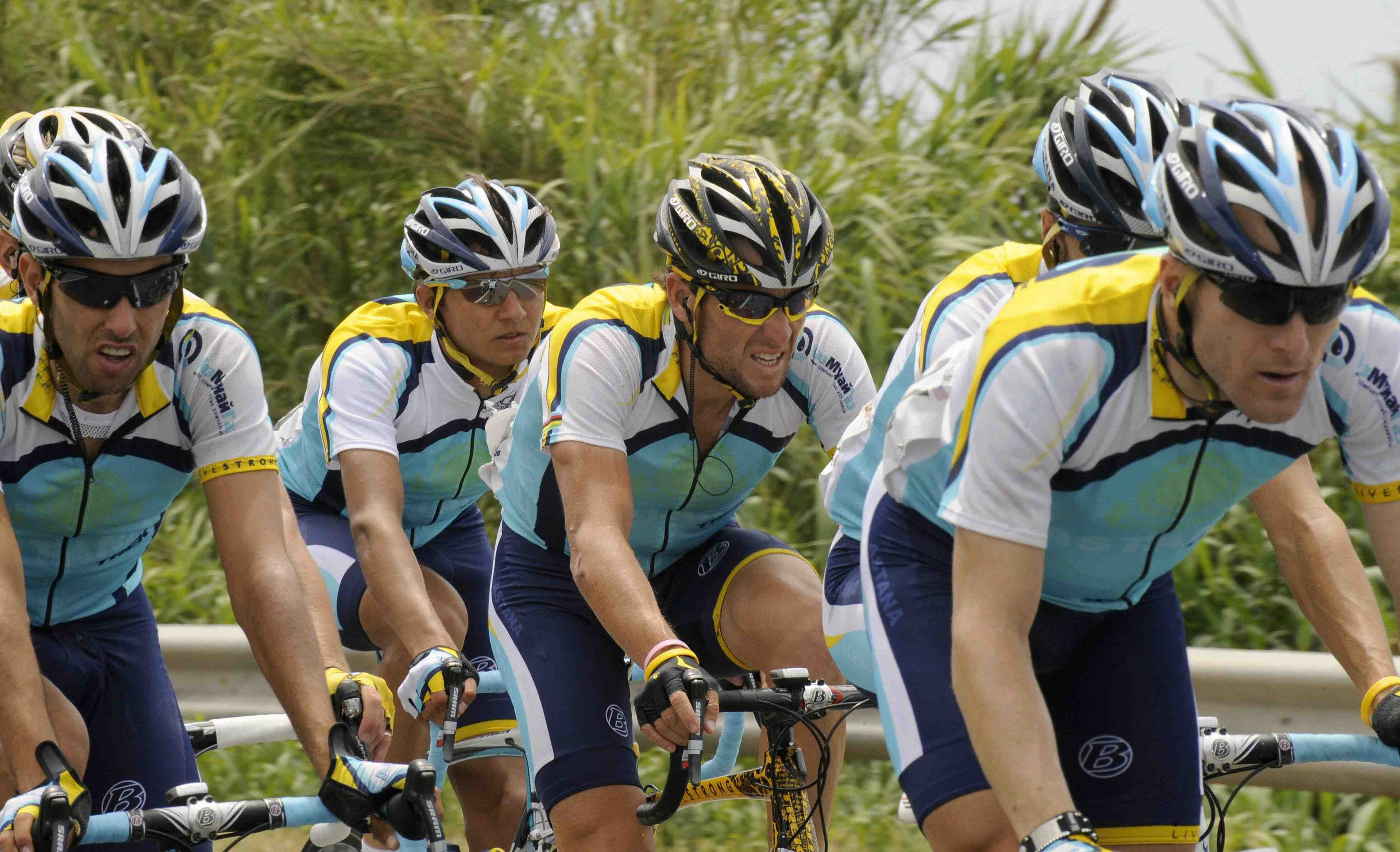 Armstrong's Astana team raced hard, despite the loss of Chris Horner and Levi Leipheimer's inability to keep up with the favourites in the final week.